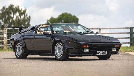 Modern Classics at the Practical Classics Car and Restoration Show