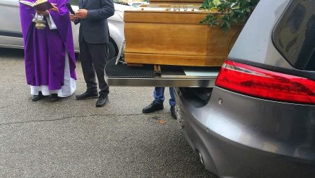 Funeral firms must show full pricelist up front
